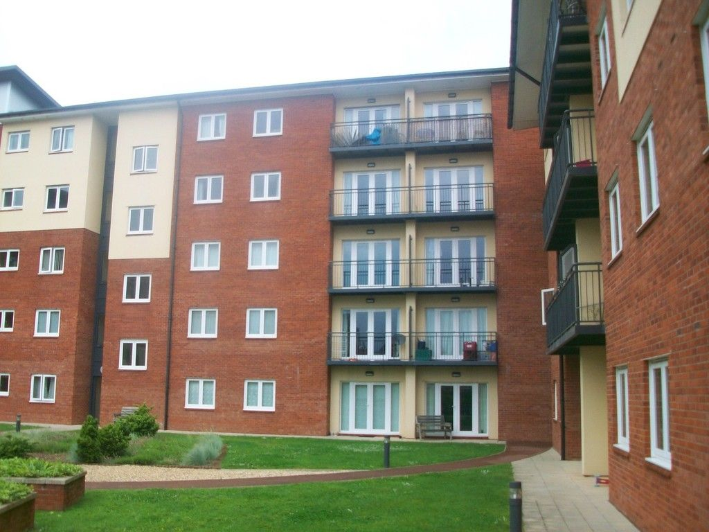 2 bed flat to rent in Constantine House, New North Road, EX4
