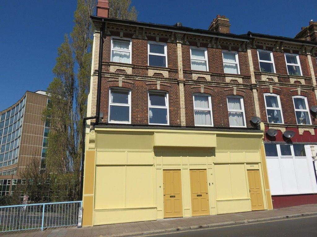 1 bed flat to rent in New Bridge Street, Exeter, EX4
