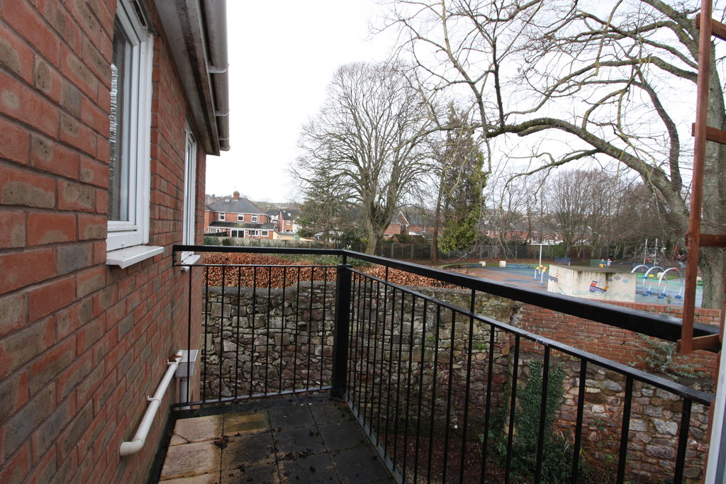 2 bed flat to rent in Park View, Prospect Place 11