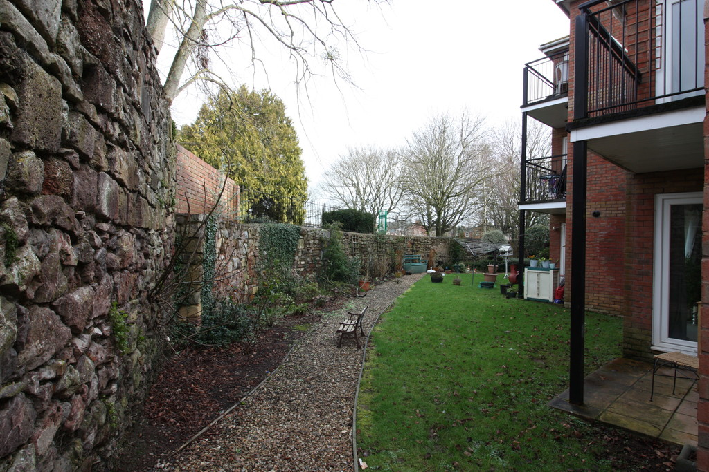 2 bed flat to rent in Park View, Prospect Place 12