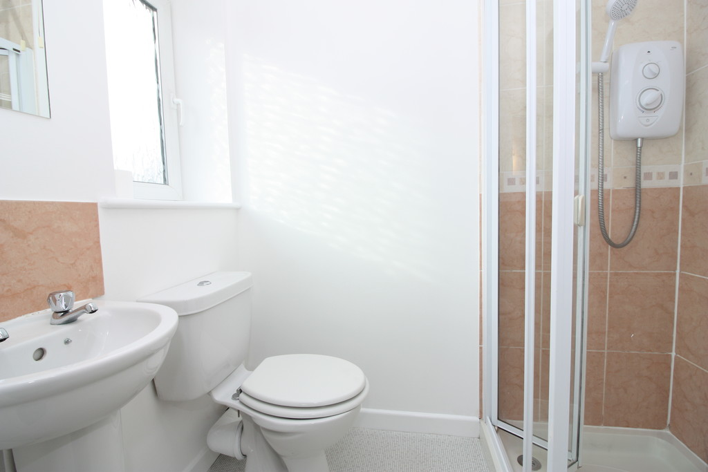 2 bed flat to rent in Park View, Prospect Place 6