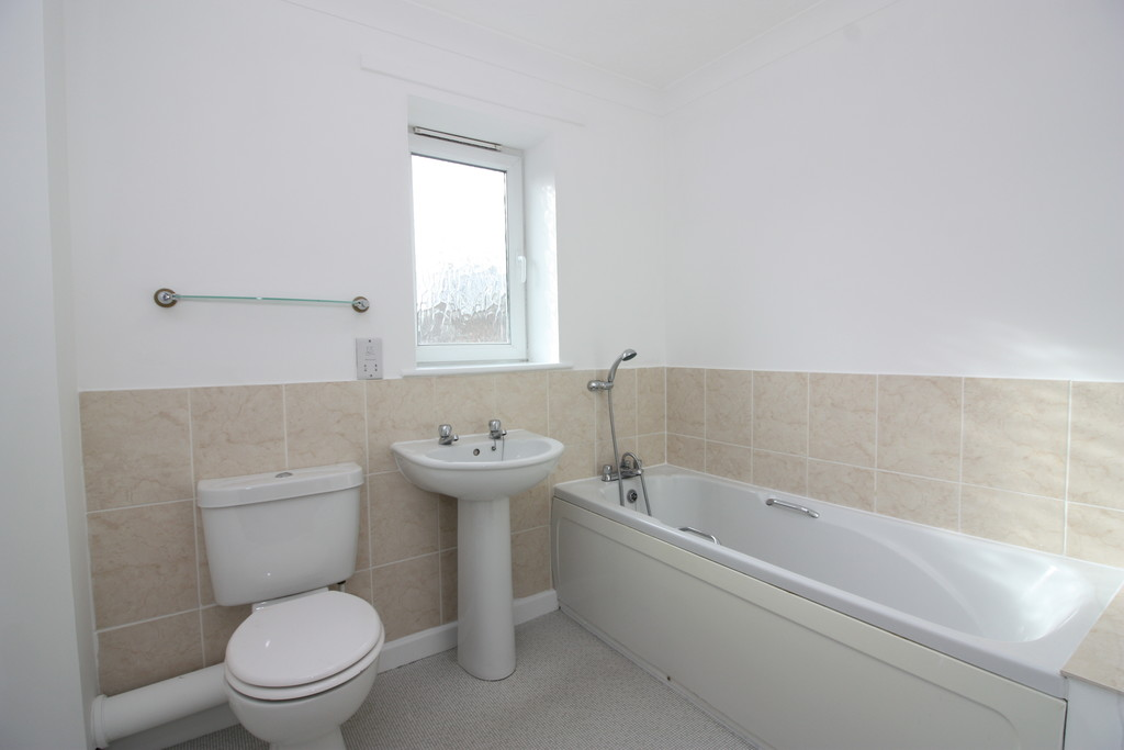 2 bed flat to rent in Park View, Prospect Place  - Property Image 8