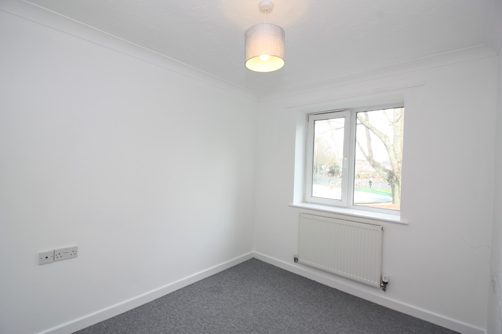 2 bed flat to rent in Park View, Prospect Place 9