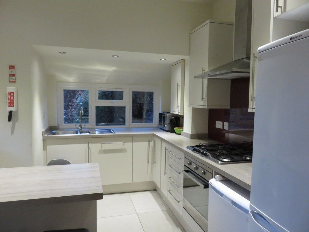 6 bed house for sale in Waverley Avenue, St James, Exeter  - Property Image 10