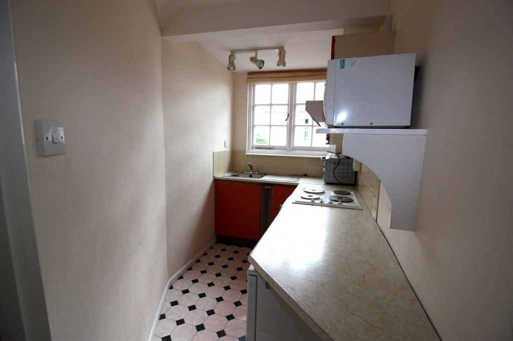 1 bed flat for sale in Friars Walk, St Leonards, Exeter 7