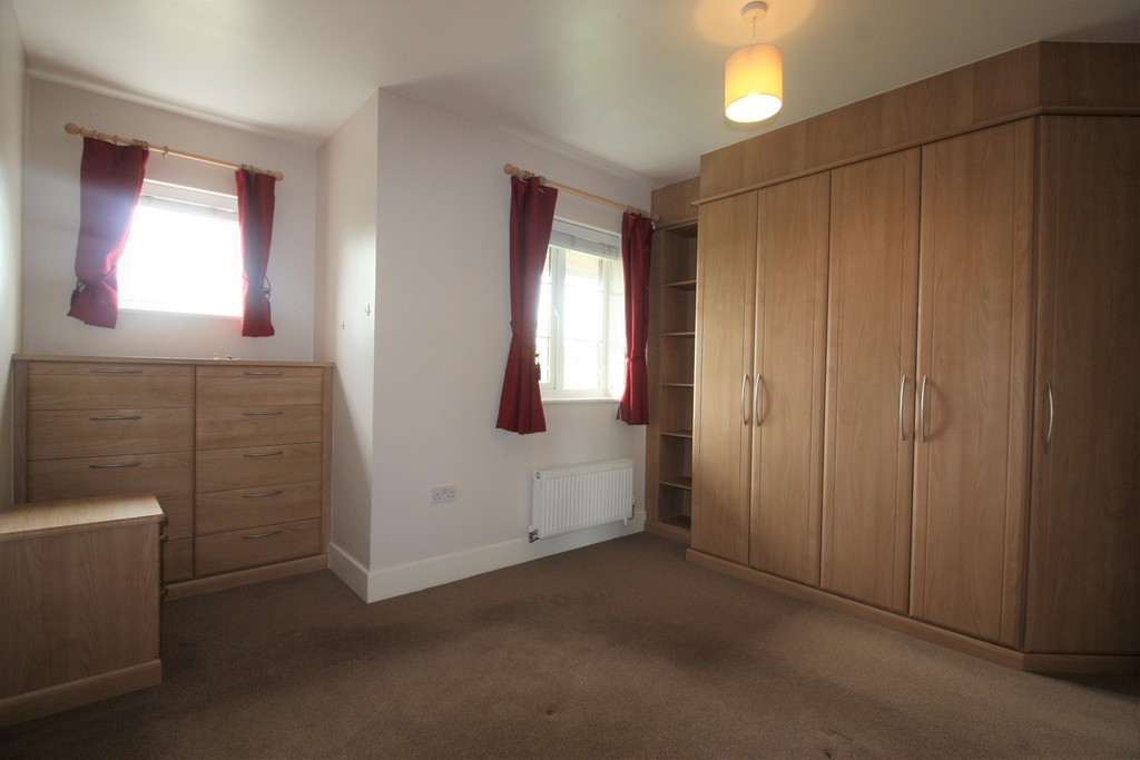 2 bed flat to rent in Russell Walk, Exeter 7