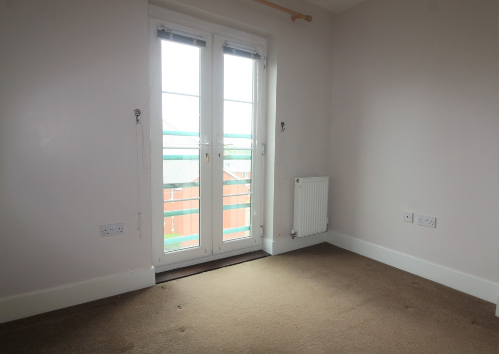 2 bed flat to rent in Russell Walk, Exeter  - Property Image 8