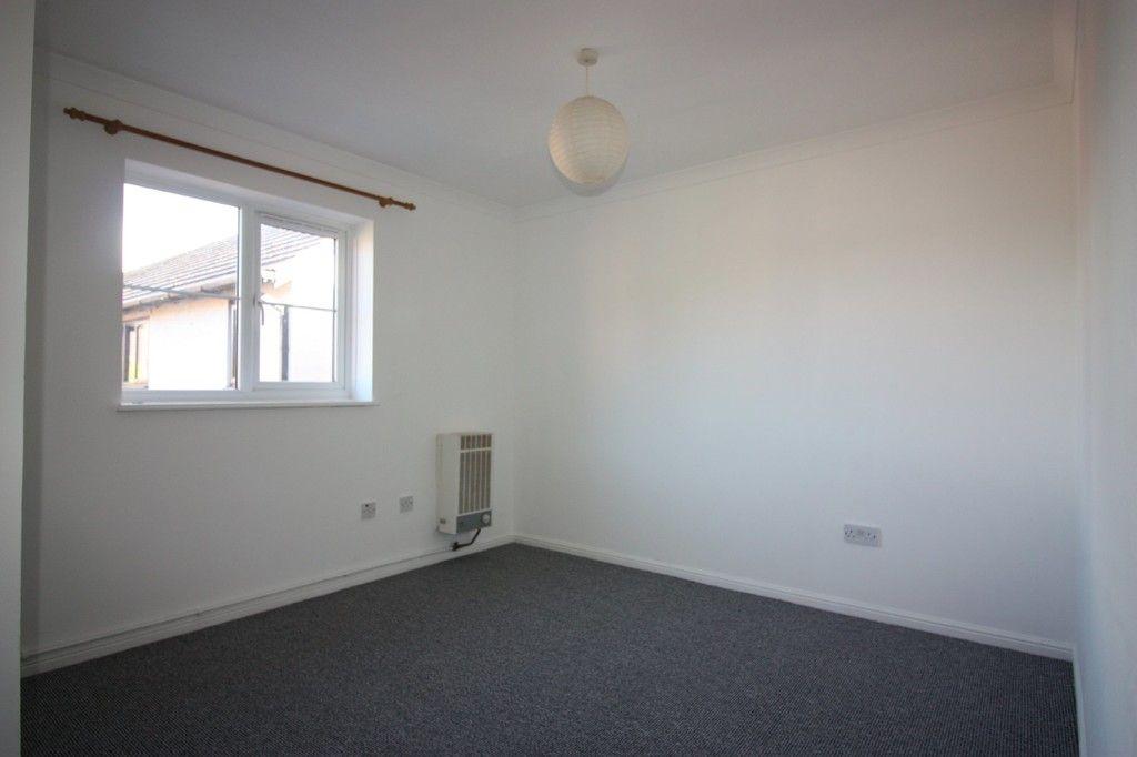 2 bed flat for sale in Gittisham Close, Barton Grange 7