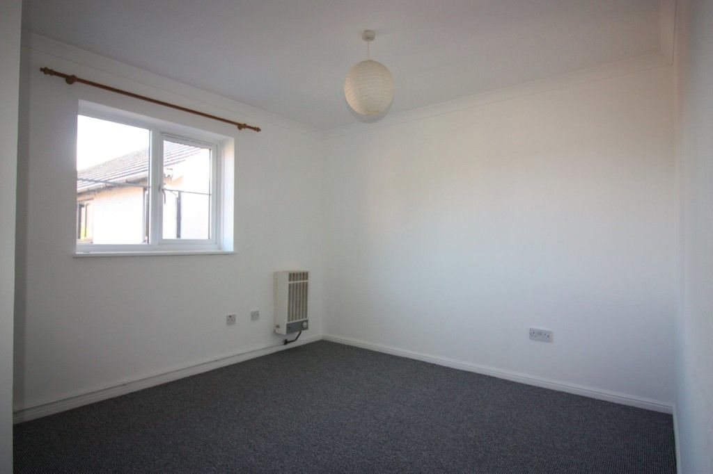 2 bed flat for sale in Gittisham Close, Barton Grange  - Property Image 7