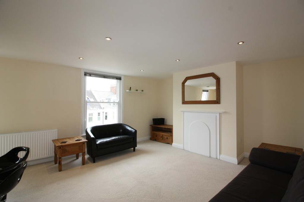 1 bed flat to rent in Shirehampton House 2