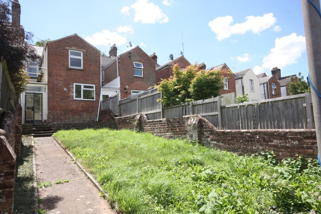 4 bed house to rent in Fore Street, Heavitree, EX1