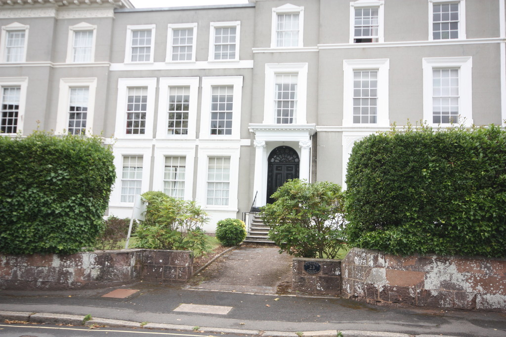 1 bed flat to rent in Victoria Park Road, Exeter, EX2