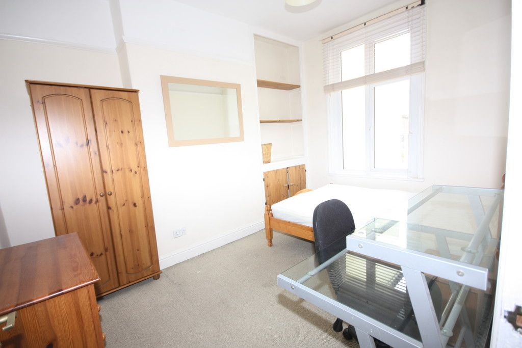 5 bed house for sale in Oxford Road, St James, Exeter 3