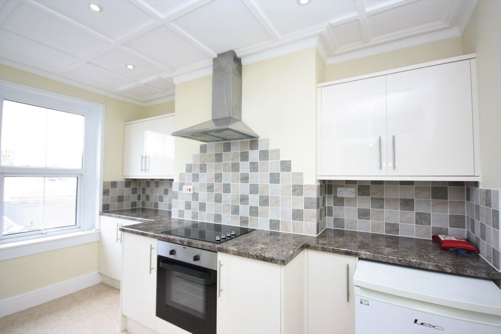 1 bed flat to rent in Alston Terrace, Exmouth 3