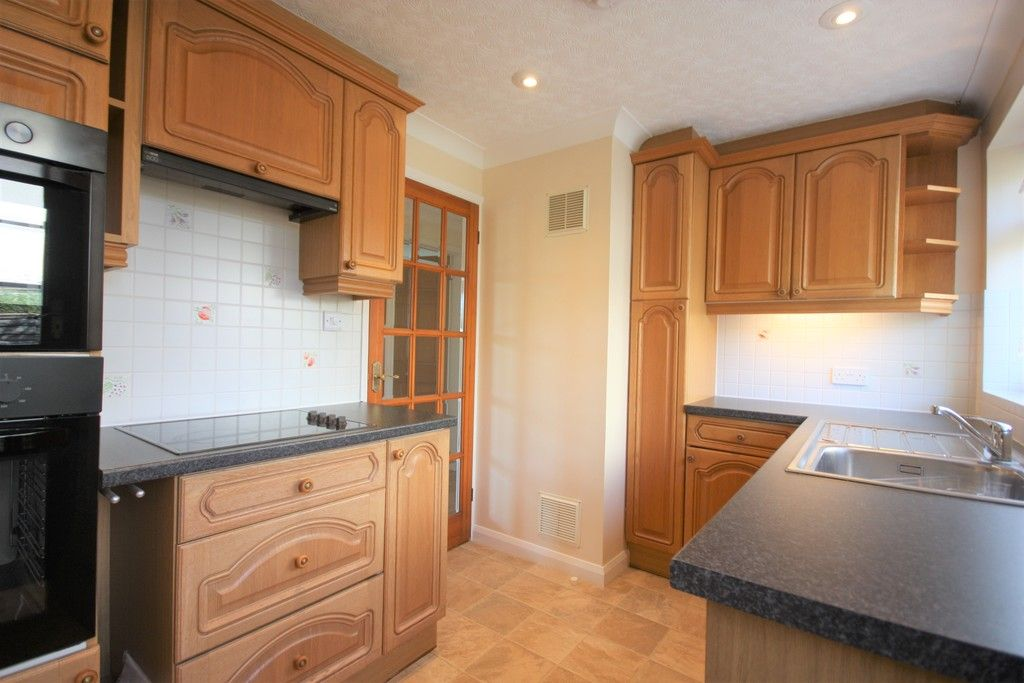 3 bed bungalow to rent in Ide, Exeter  - Property Image 5
