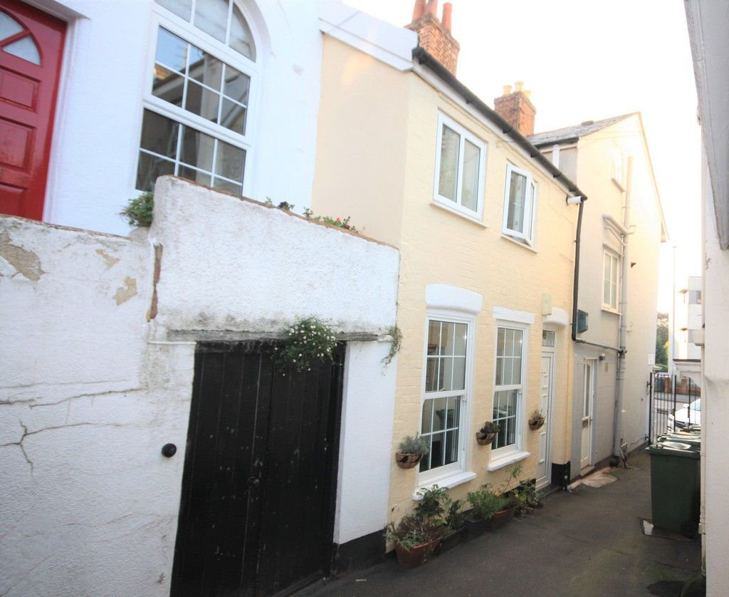 2 bed house to rent in Blackboy Road, Exeter, EX4