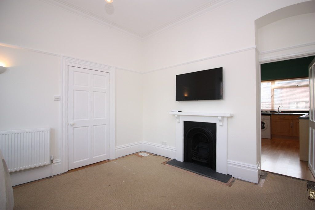 2 bed flat to rent in Old Tiverton Road 4