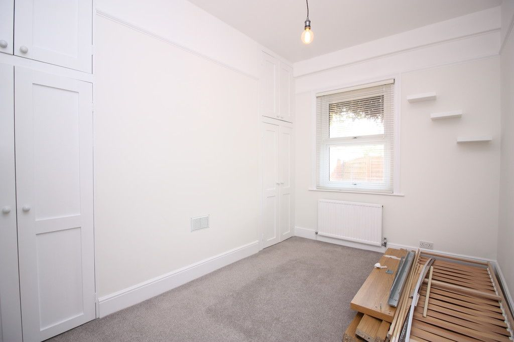 2 bed flat to rent in Old Tiverton Road 7