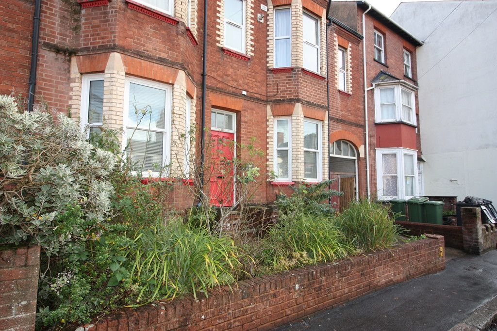 2 bed flat to rent in Old Tiverton Road 9