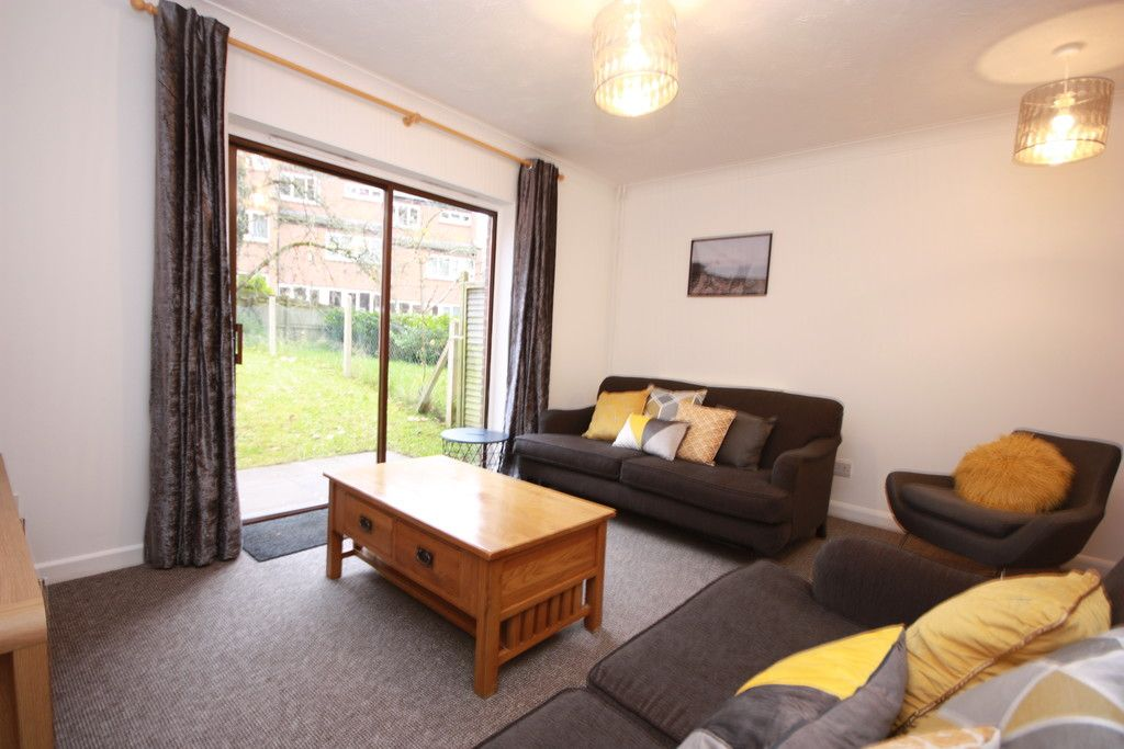 5 bed house to rent in Argyll Mews, Exeter 2