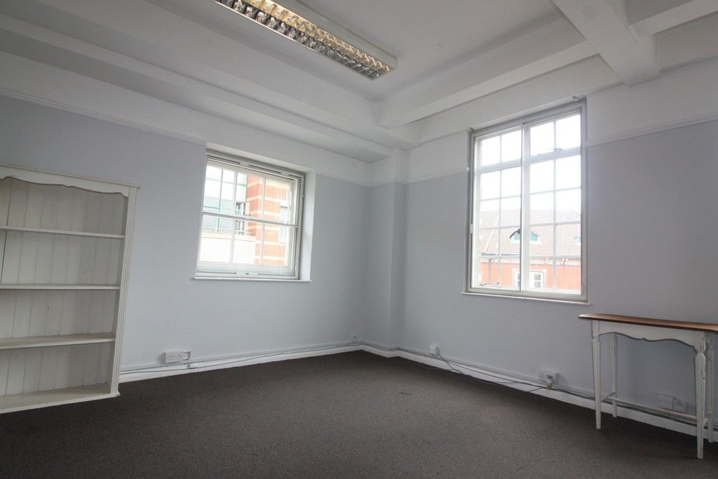 to rent in Northernhay Place, City Centre, Exeter 3