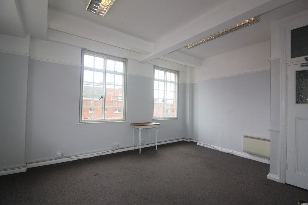 to rent in Northernhay Place, City Centre, Exeter 4