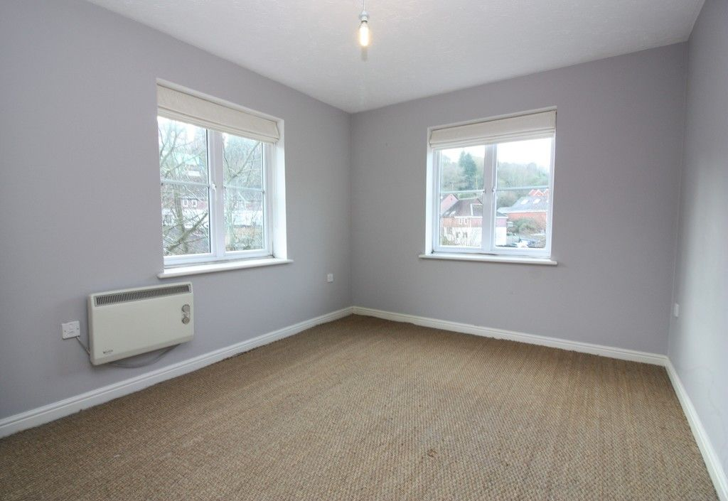 2 bed flat to rent in Lavender Road, Exwick, Exeter  - Property Image 2