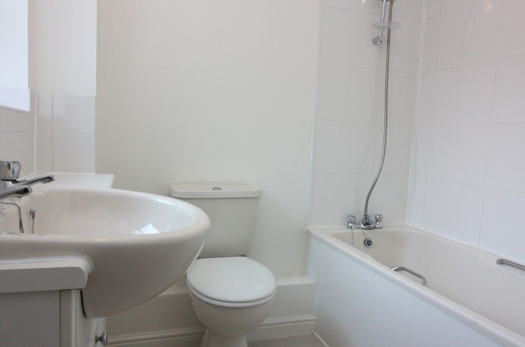 2 bed flat to rent in Lavender Road, Exwick, Exeter 5