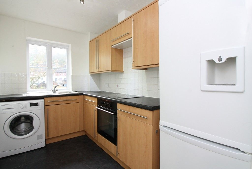 2 bed flat to rent in Lavender Road, Exwick, Exeter 6
