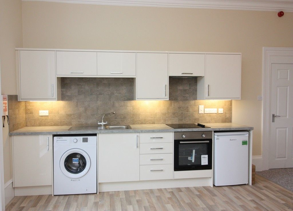1 bed flat to rent in Elm Grove Road, Exeter 2