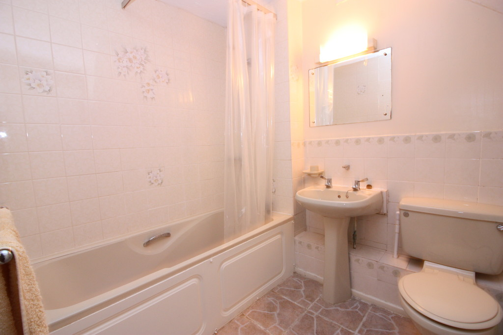 2 bed house to rent in Longmeadow, Broadclyst, Exeter  - Property Image 8