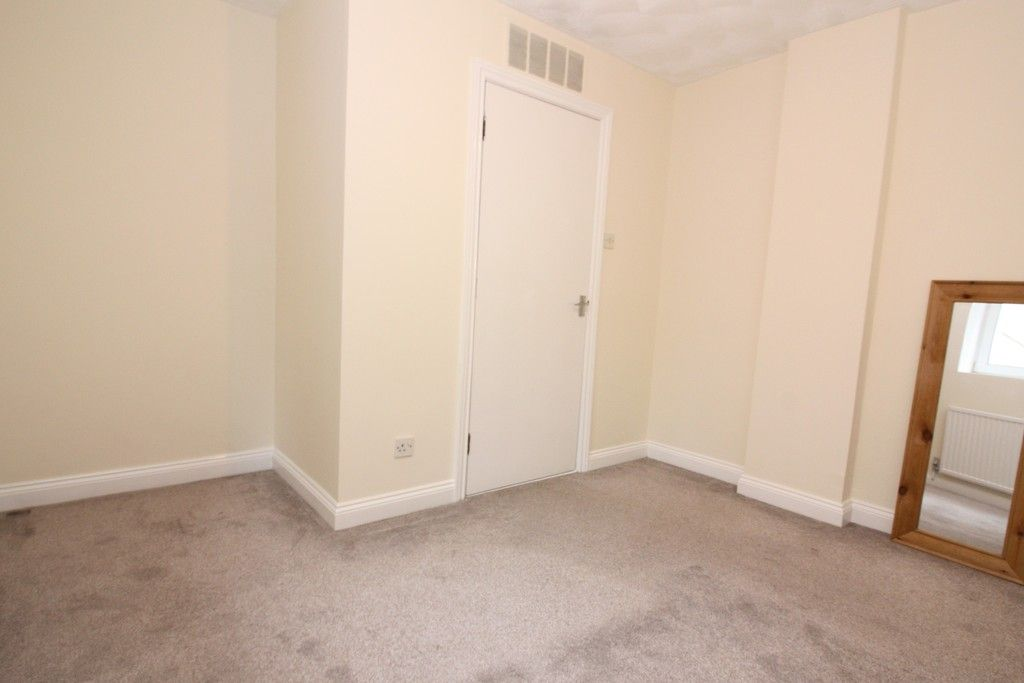 1 bed flat to rent in Baring Court, Weirfield Road 3