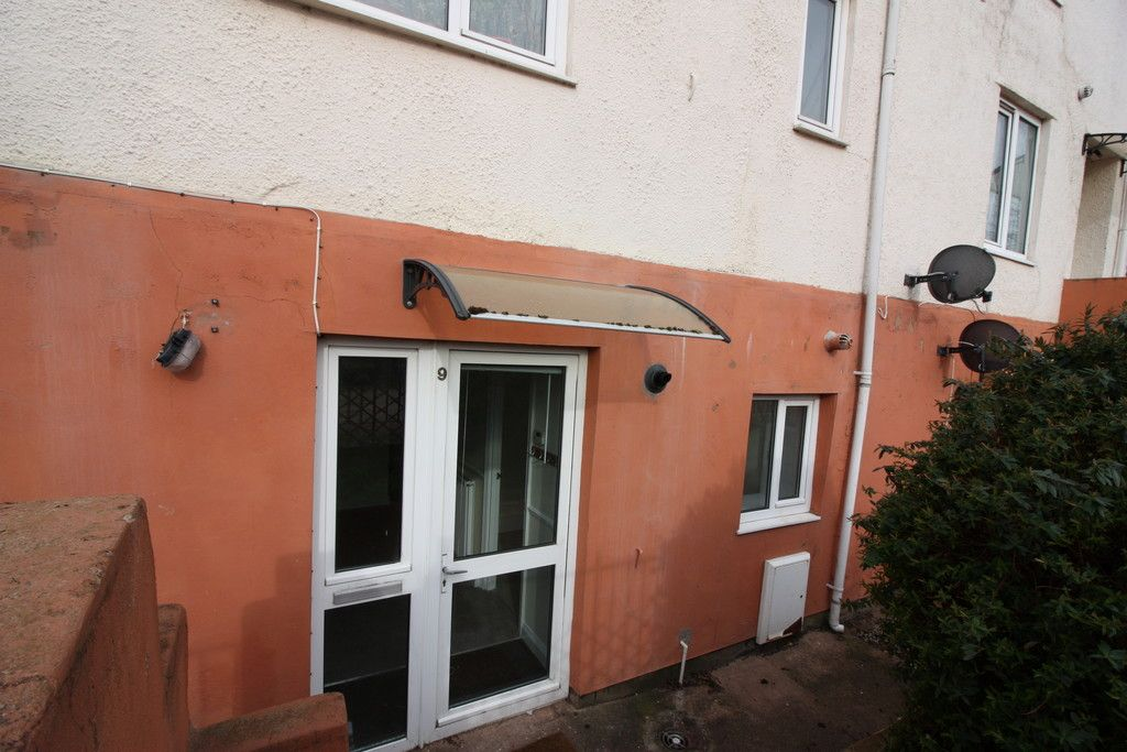 1 bed flat to rent in Baring Court, Weirfield Road 5