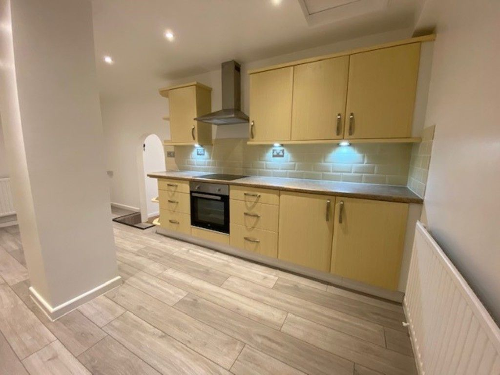 2 bed flat to rent in Upper Longlands, Dawlish  6