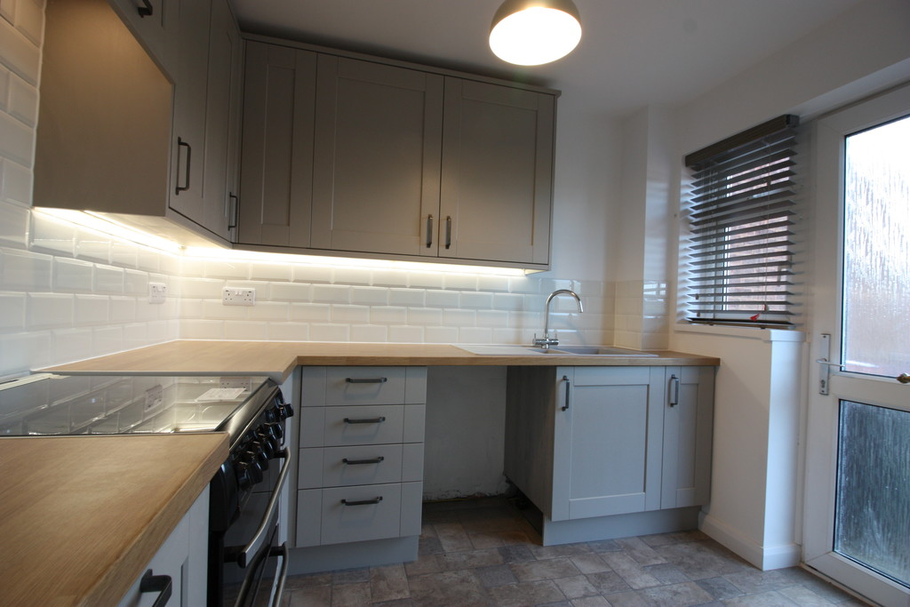 3 bed house to rent in Pinhoe, Exeter  - Property Image 2