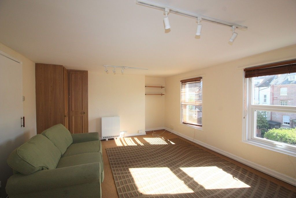 1 bed flat to rent in Grosvenor Place, Exeter 2