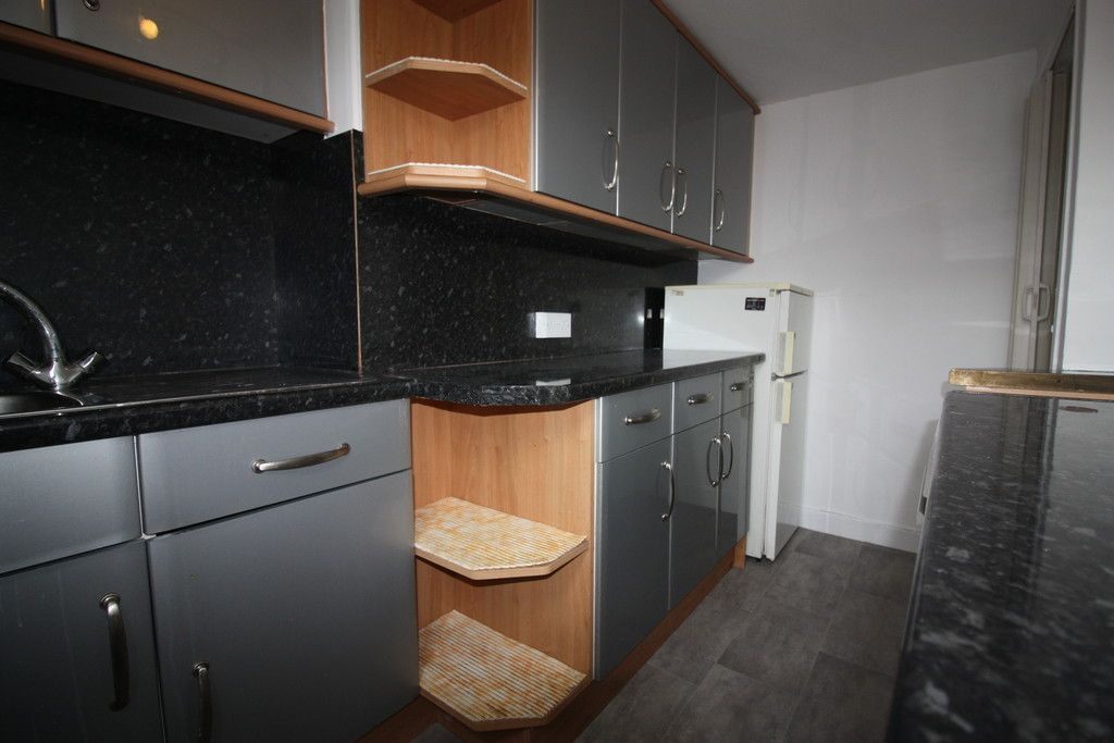 1 bed flat to rent in Grosvenor Place, Exeter 6