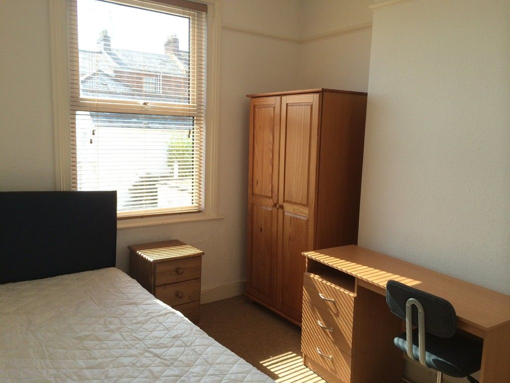 5 bed house to rent in Victoria Street, Exeter 5