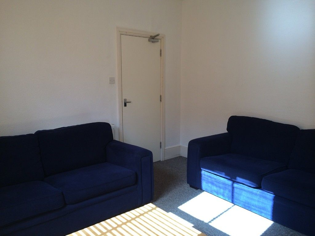 6 bed house to rent in Victoria Street, Exeter 3