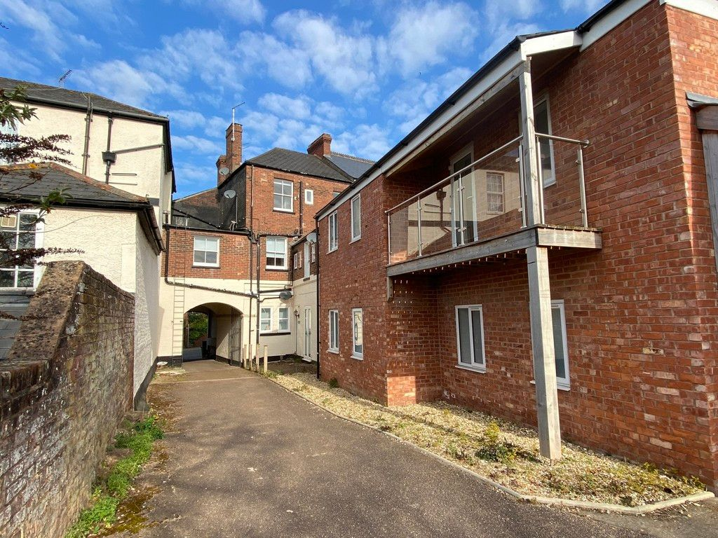 2 bed flat to rent in Pennsylvania Road, 1