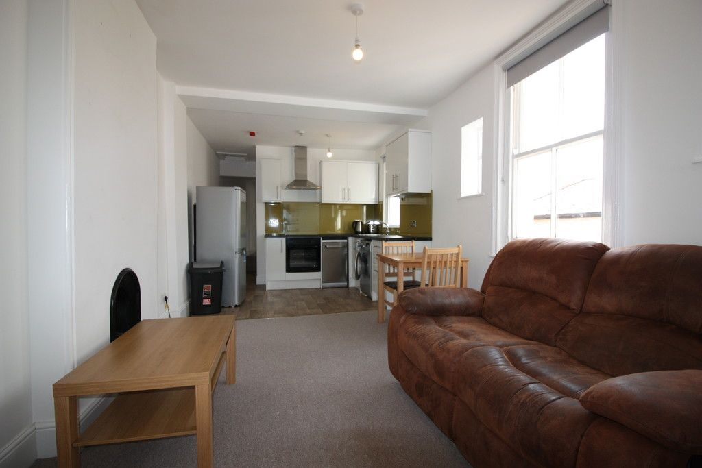 2 bed flat to rent in Pennsylvania Road, 2