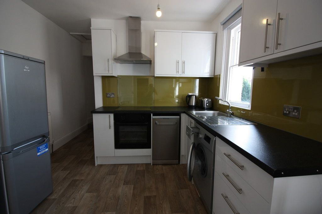 2 bed flat to rent in Pennsylvania Road, 3