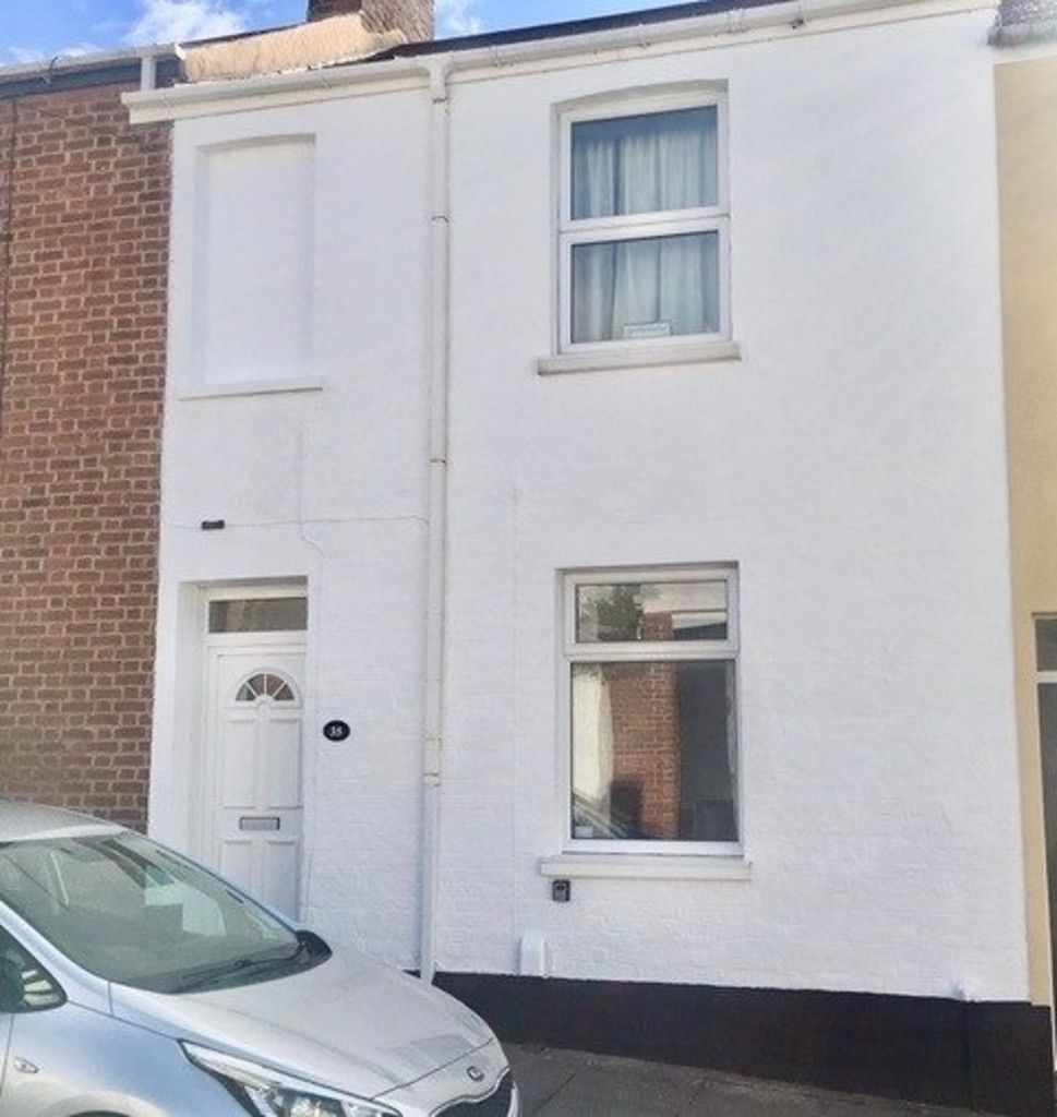 2 bed house to rent in Clifton Street, 9