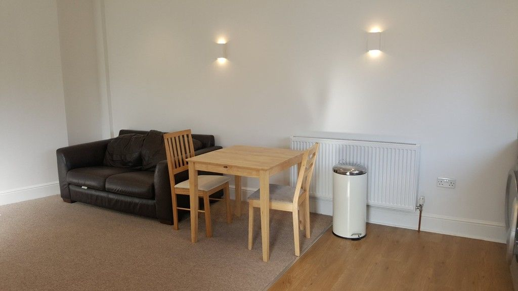 1 bed house to rent in Clifton Road, 3