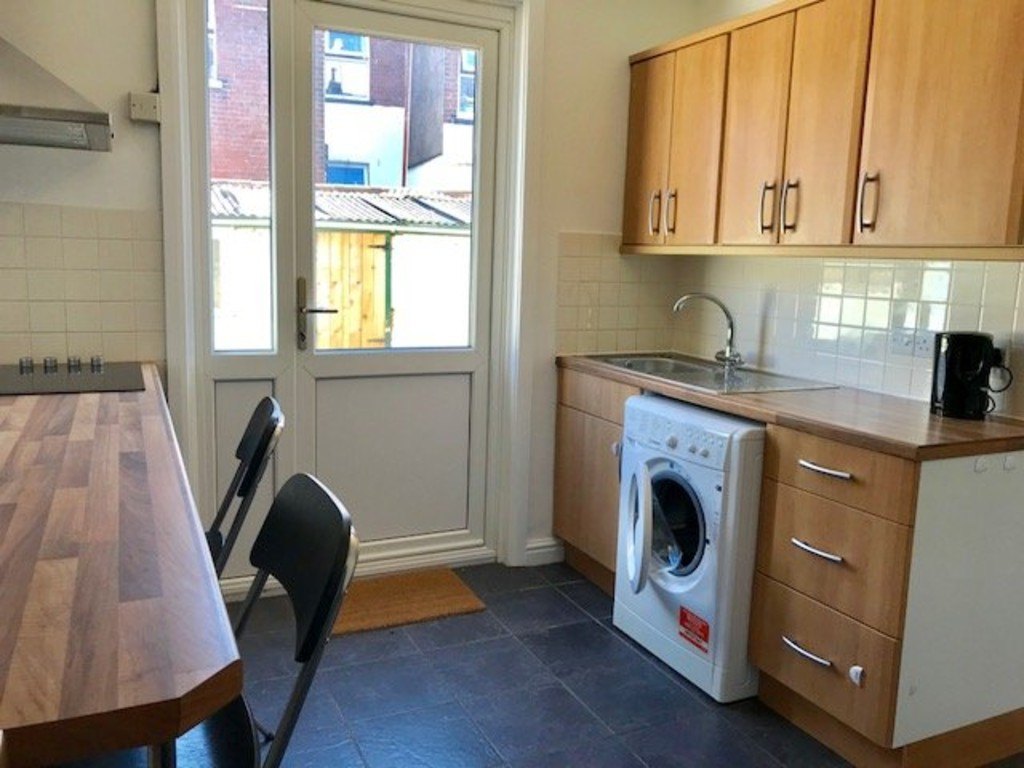 2 bed house to rent in Rosewood Terrace, Exeter 3