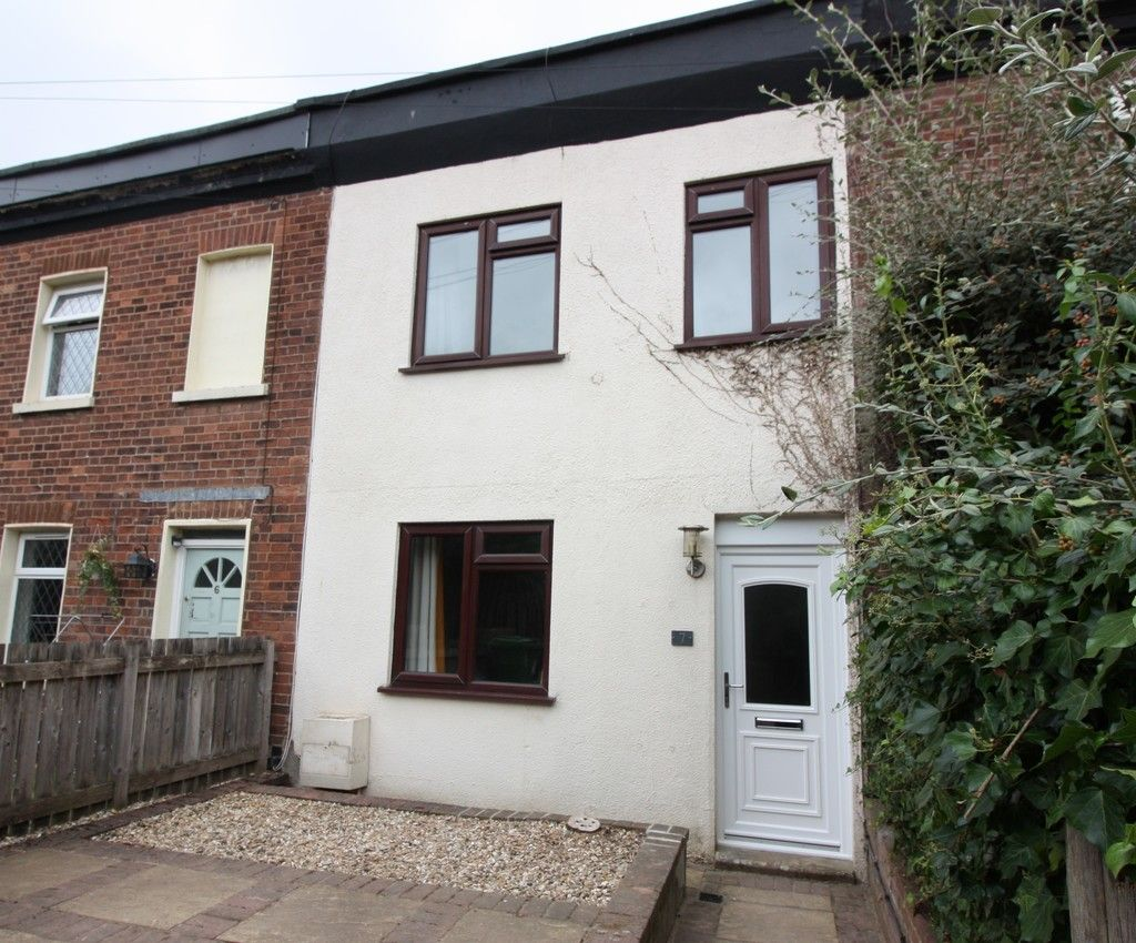 2 bed house to rent in New Buildings , Well Street  - Property Image 3