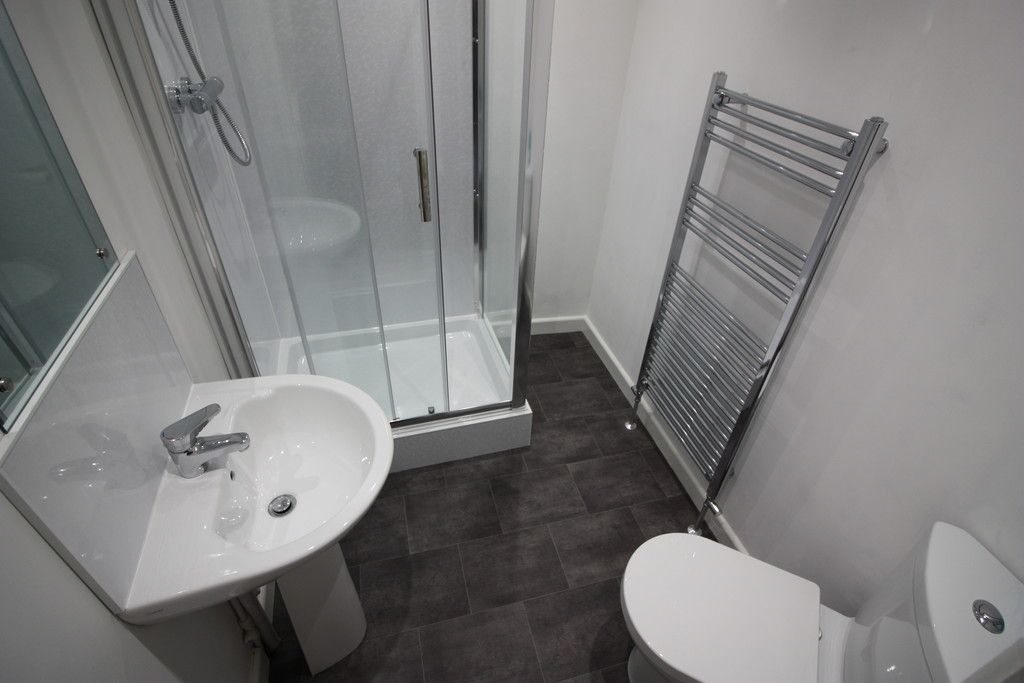 2 bed house to rent in New Buildings , Well Street 6