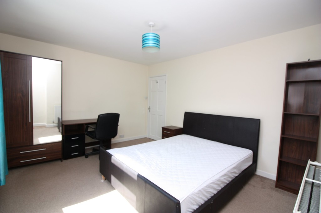 2 bed house to rent in Bridge Cottages, Well Street  - Property Image 6