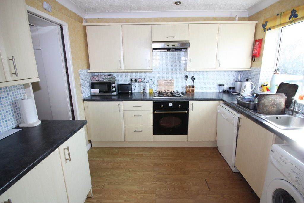 5 bed house to rent in King Edward Street, EX4