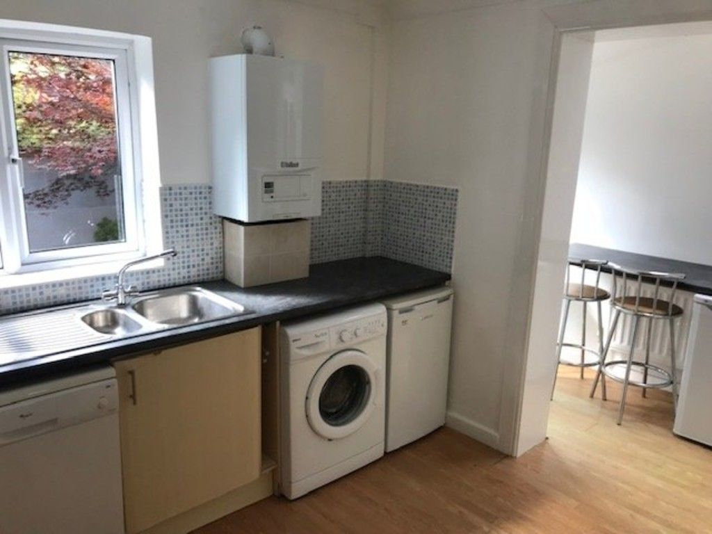 5 bed house to rent in King Edward Street 2